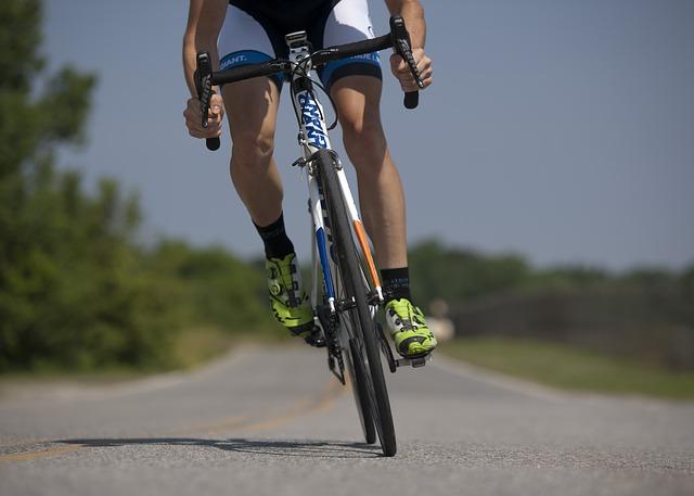 Cycling-655565_640